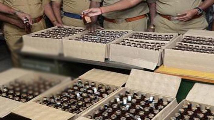 बिहार में बेखौफ हुए शराब तस्कर, वाहन से कुचलकर पुलिस जवान को मार डाला