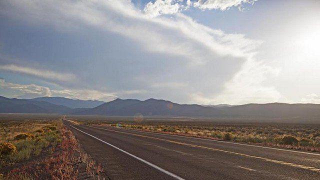 अमेरिका के नेवाडा में हैं दुनिया की कुछ बेहद अविश्वसनीय और खूबसूरत सड़कें