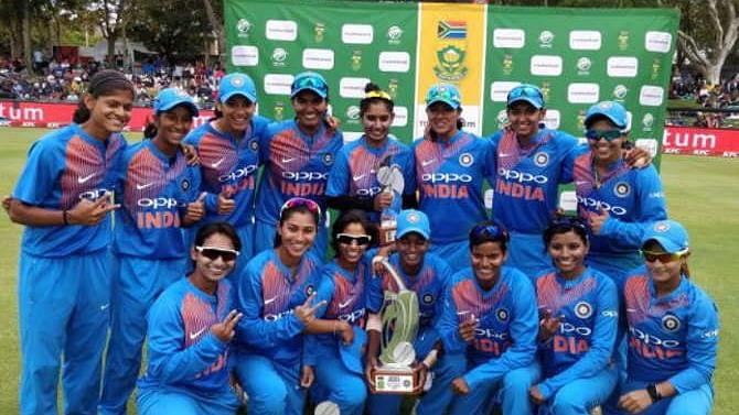 दक्षिण अफ्रीका में भारतीय महिला क्रिकेट टीम का डबल धमाका, पहली बार एक दौरे में दो सीरीज पर कब्जा