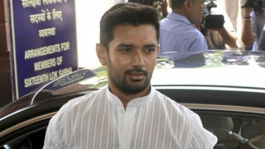 टीडीपी-शिवसेना के कदम से एनडीए में मची भगदड़, पासवान ने फिर की 'मौसम की भविष्यवाणी'