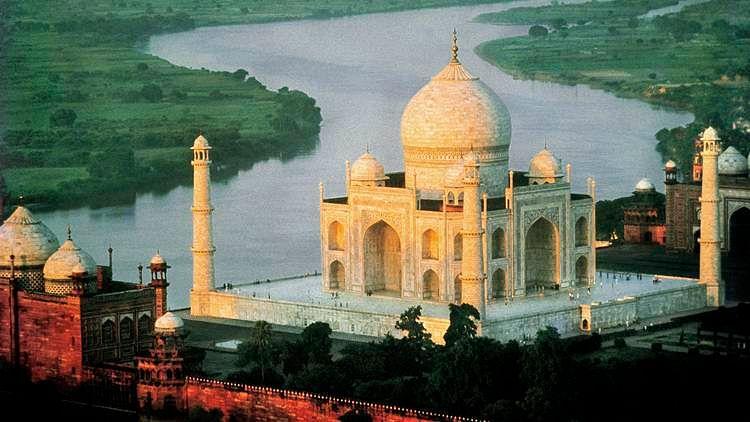 अब जी भर के नहीं देख सकते ताजमहल, रविवार से बस तीन घंटे, देर तक रुके तो लेना पड़ेगा एक और टिकट