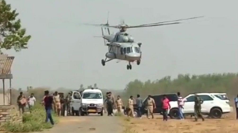 तेलंगाना-छत्तीसगढ़ सीमा पर पुलिस मुठभेड़ में 12 नक्सली मारे गए, एक पुलिसकर्मी शहीद
