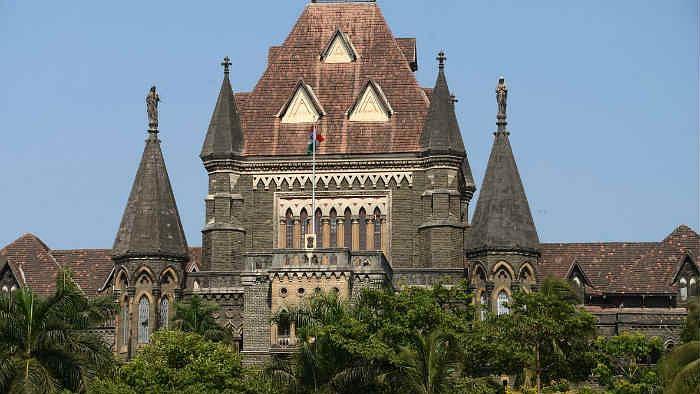कमला मिल हादसे को लेकर बॉम्बे हाईकोर्ट ने महाराष्ट्र सरकार और बीएमसी को लगाई फटकार