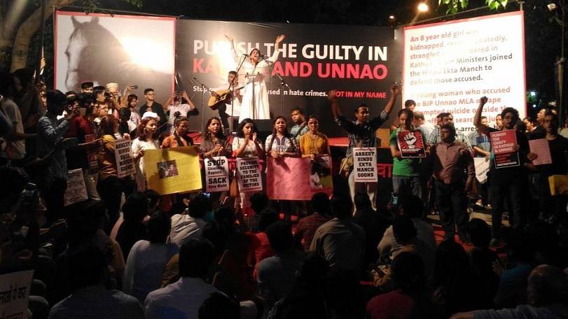 कठुआ-उन्नाव रेप केस LIVE: दिल्ली के संसद मार्ग पर प्रदर्शन, देश भर में सड़कों पर उतरे लोग
