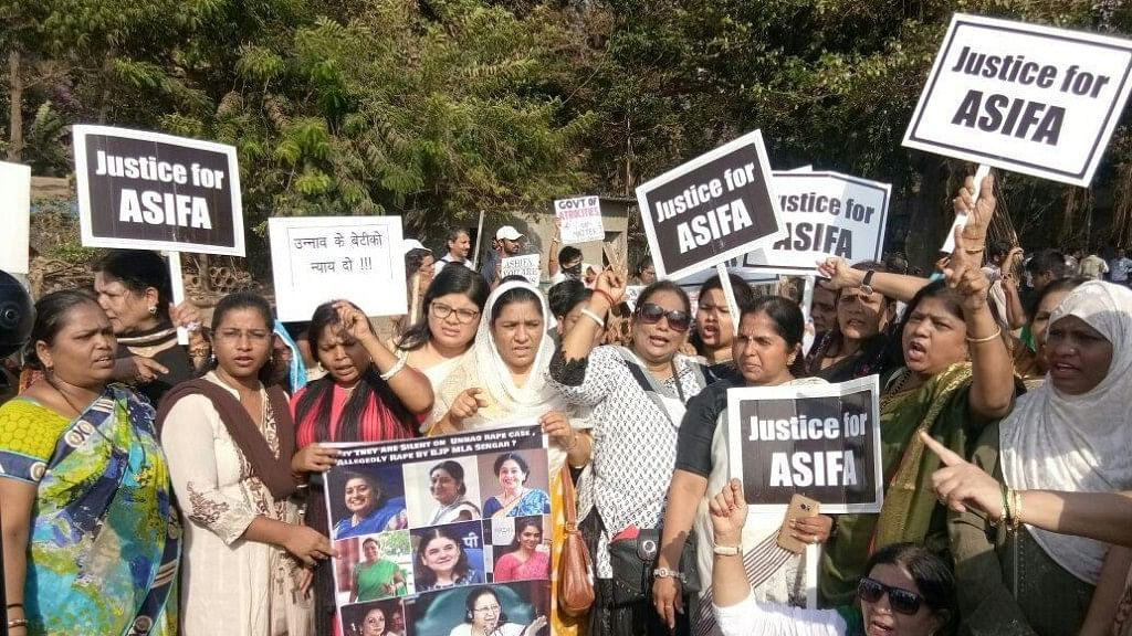 कठुआ-उन्नाव रेप केस के विरोध में देश भर में विरोध-प्रदर्शन, पीड़ितों के लिए इंसाफ की मांग