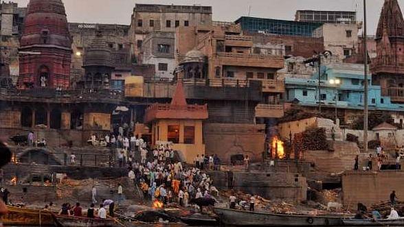 पीएम मोदी के संसदीय क्षेत्र में अंतिम संस्कार के लिए जरूरी आधार कार्ड