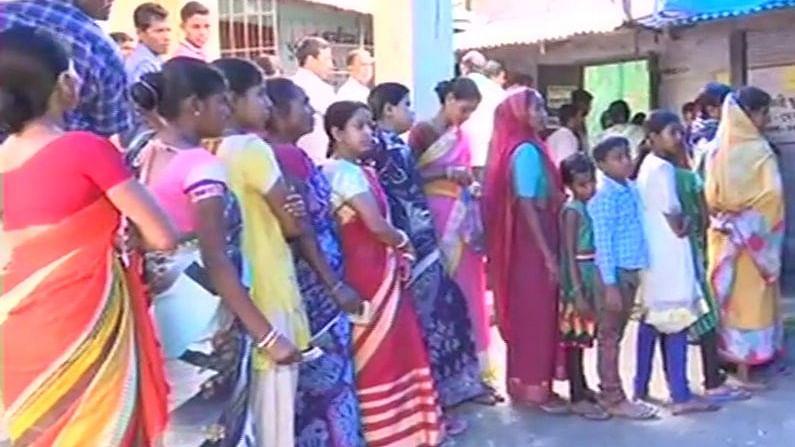 पश्चिम बंगाल: पंचायत चुनाव के लिए मतदान जारी: और इस वक्त की दूसरी बड़ी खबरें, देखें वीडियो