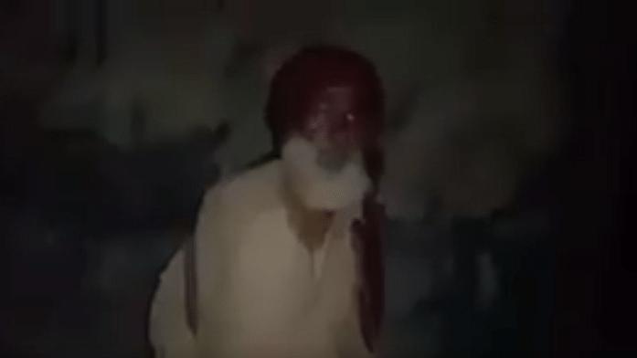 कश्मीर: रोज़ रात दो बजे ढोल बजाकर मुसलमानों को रोज़े के लिए जगाता एक सिख बुज़ुर्ग