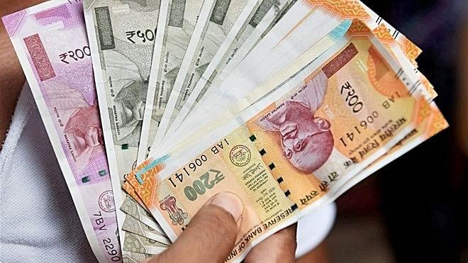 आपके हाथ आया है 200 या 2000 का कटा-फटा नोट, तो नहीं बदलेगा बैंक, मोदी सरकार ने अभी तक नहीं बनाया है कानून
