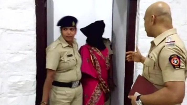 महाराष्ट्र:  तानों से तंग आकर खाने में जहर मिलाने वाली महिला गिरफ्तार, 5 की हुई थी मौत, 120 हुए थे बीमार