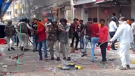 मध्य प्रदेश: शाजापुर में दो समुदायों के बीच हिंसक झड़प, पत्थरबाजी और आगजनी में कई लोग घायल, धारा 144 लागू