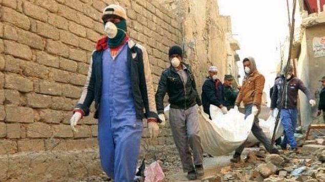 इराक: मोसुल शहर में ध्वस्त इमारतों के मलबे से 5 हजार से ज्यादा शव बरामद