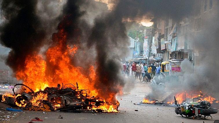 दावे कितने भी करें मोदी के मंत्री, सरकारी आंकड़ें बताते हैं मोदी शासन  के चार साल में हुए 2920 दंगे