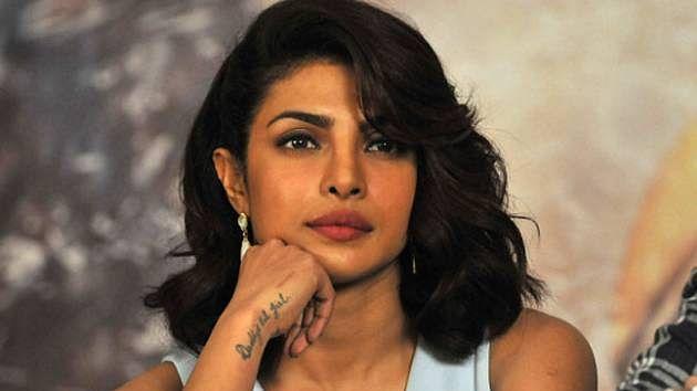मुंबई: अवैध निर्माण करवाने को लेकर अभिनेत्री प्रियंका चोपड़ा को बीएमसी ने थमाया नोटिस