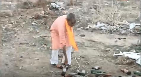 जयपुर: मोदी के कार्यक्रम में ही उड़ी 'स्वच्छ भारत' मिशन की धज्जियां, खुले में शौच करते नजर आए लाभार्थी
