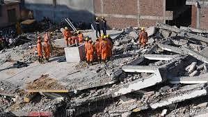ग्रेटर नोएडा हादसे के बाद  प्राधिकरण ने 96 भवनों को असुरक्षित घोषित किया, एक सप्ताह में गिराने का निर्देश