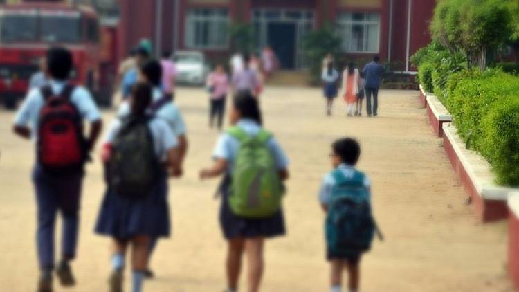 देश के मौजूदा माहौल से स्कूली छात्रों में पनपती  हिंसक प्रवृत्ति चिंताजनक