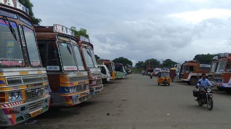 आज से ट्रक-बस ऑपरेटर्स की अनिश्चिकालीन हड़ताल, जरूरी सामानों की सप्लाई बंद