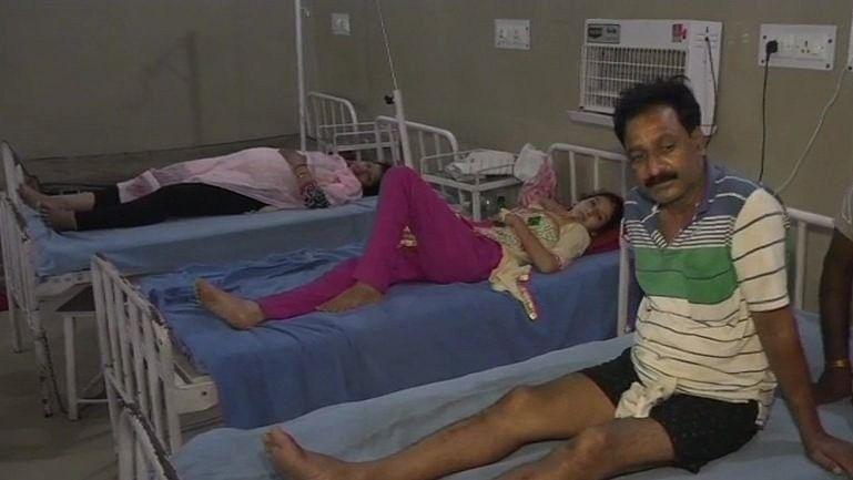 जम्मू-कश्मीर: खड़े ट्रक से टकराई अमरनाथ यात्रियों की बस, 13 श्रद्धालु घायल
