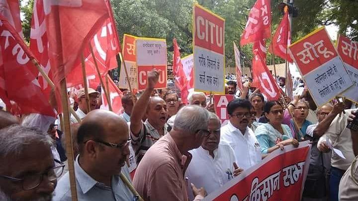देश भर में किसान संगठनों की हुंकार, 'बीजेपी सरकार भारत छोड़ो'