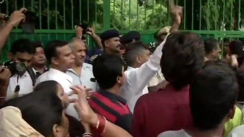 दिल्ली: स्कूल में 6 साल की बच्ची से रेप पर मानवाधिकार आयोग ने सरकार और पुलिस को भेजा नोटिस, आरोपी गिरफ्तार