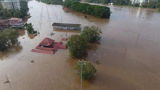 केरल में बाढ़ से तबाही:  फिल्मी सितारों की अपील, कहा, पीड़ितों की मदद के लिए आगे आएं लोग