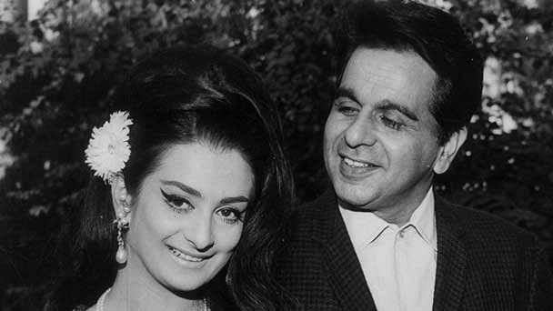 दिलीप कुमार ने तो कह दिया था मेरे साथ बच्ची की तरह लगती हैं सायरा बानो, फिर कैसे हो गई दोनों की शादी !