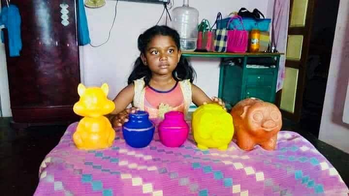 8 साल की अनुप्रिया ने अपनी चार साल की जमा पूंजी केरल के बाढ़ पीड़ितों के लिए किया दान