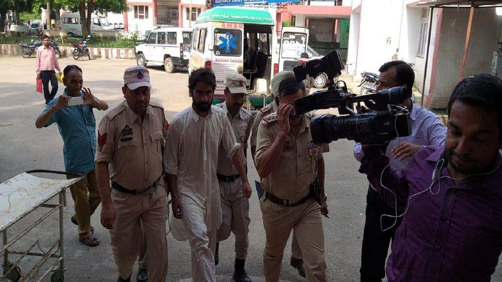 कठुआ गैंगरेप के गवाह  तालिब हुसैन की पुलिस रिमांड में बुरी तरह  पिटाई, एक हफ्ते पहले किया गया था गिरफ्तार