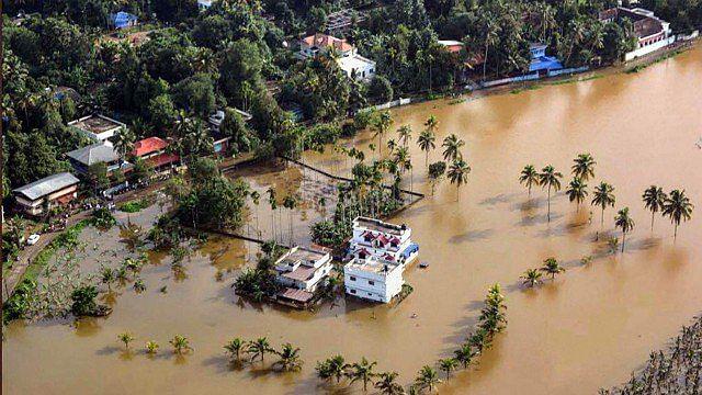 बाढ़ से हुई तबाही से निपटने को केरल पैसे-पैसे को मोहताज, पीएम मोदी की मंशा पर अब उठने लगे सवाल