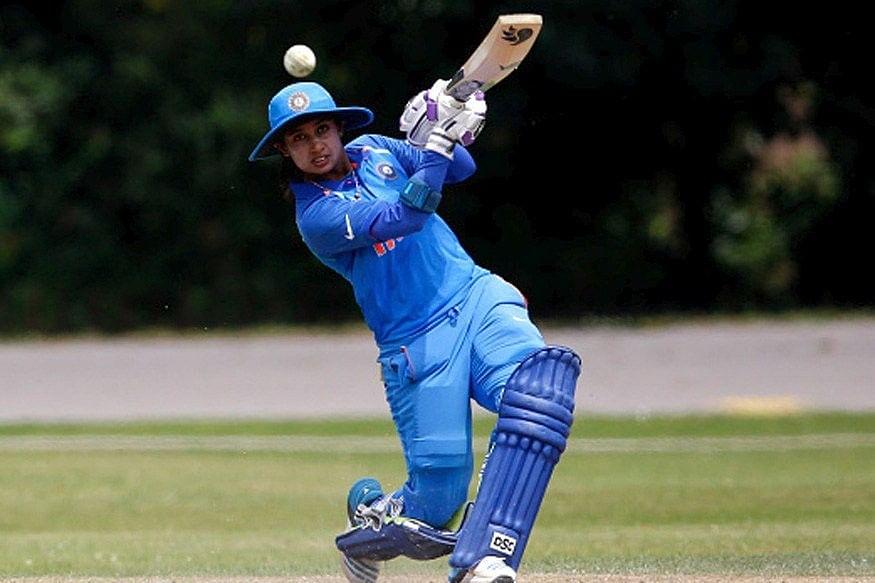 झूलन गोस्वामी ने रचा इतिहास, 300 विकेट लेने वाली पहली महिला क्रिकेटर बनीं
