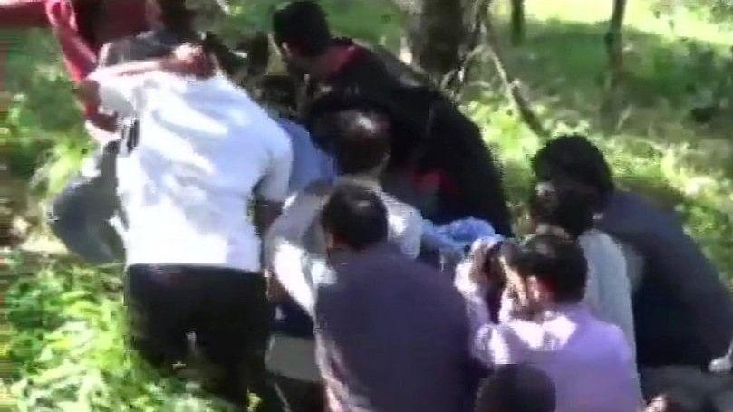 जम्मू-कश्मीर: शोपियां में अगवा किए गए 3 पुलिसकर्मियों के शव बरामद, आतंकवादियों ने किया था अपहरण