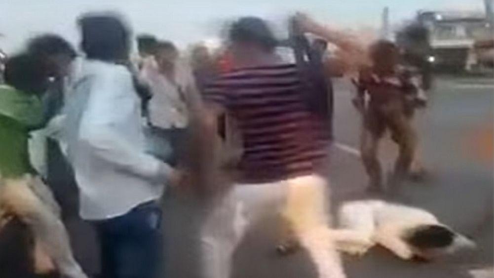 अलवरः पहलू खान हत्याकांड के गवाहों पर कोर्ट जाने के दौरान हुआ जानलेवा हमला, फायरिंग में बाल-बाल बचे बेटे