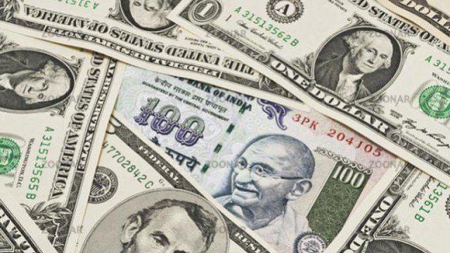 डॉलर के मुकाबले रुपये में फिर रिकार्ड गिरावट, 74.27 के नये स्तर पर पहुंचा रुपया