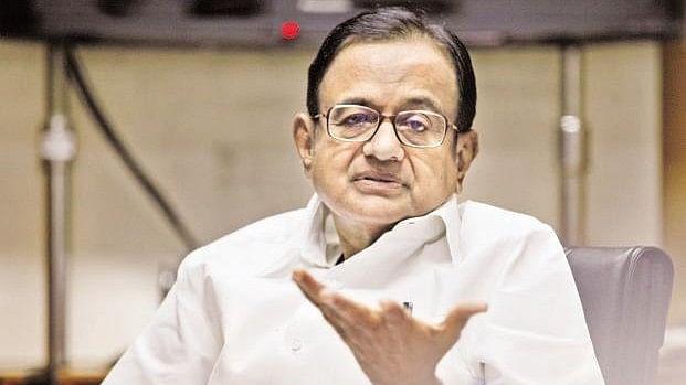 मोदी सरकार पर पी चिदंबरम का हमला, कहा, सरकार हताश होकर अर्थव्यवस्था से जुड़े तथ्यों को छिपा रही है