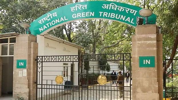 दिल्ली सरकार पर 50 करोड़ रुपये का जुर्माना, प्रदूषण रोकने  में नाकाम रहने पर एनजीटी ने लगाया