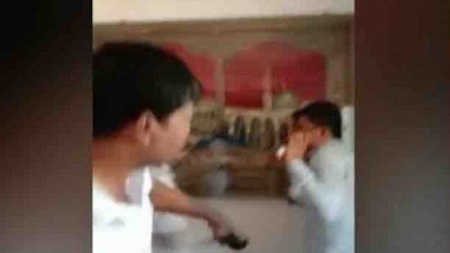 वीडियो: मुंबई में  ड्राइवर को प्रदर्शनकारियों ने पीटा, ओला-उबर ड्राइवर की हड़ताल में नहीं हुआ था शामिल