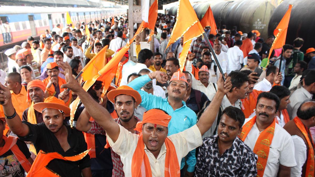 अयोध्या: धर्मसभा से  पहले 'धर्मयुद्ध' का ऐलान, सोशल मीडिया पर हथियारों की नुमाइश, जगह-जगह रामायण का प्रसारण