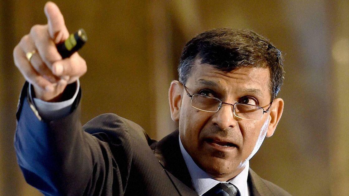 आरबीआई सरकार की सुनता है, लेकिन फैसले देश हित में ही लेता है: रघुराम राजन