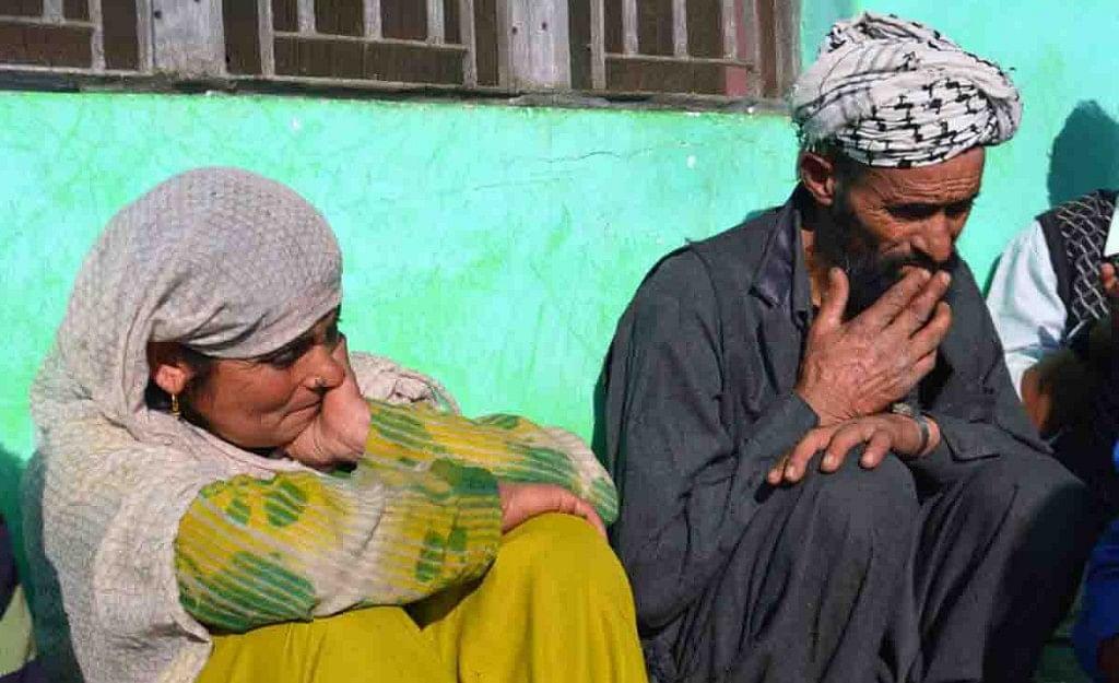 कठुआ कांड: कानूनी लड़ाई के लिए खुला खाता बैंक ने किया सीज, न्याय के लिए दिल्ली की खाक छान रहे हैं पिता