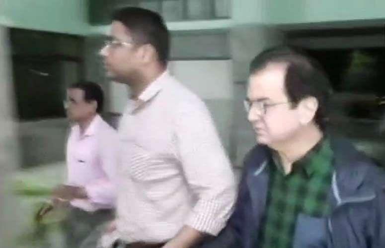 पीएनबी घोटाला: भगौड़ा कारोबारी मेहुल चोकसी पर ईडी का शिकंजा, सहयोगी दीपक कुलकर्णी कोलकाता  से गिरफ्तार