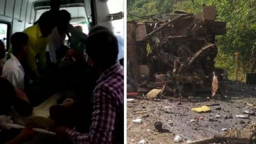 छत्तीसगढ़: नक्सली हमले में 1 जवान समेत 5 की मौत, आईईडी धमाका कर वाहन को उड़ाया