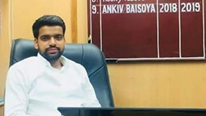 डूसू अध्यक्ष अंकिव बसोया को एबीवीपी ने किया सस्पेंड, एनएसयूआई ने  बताया कोर्ट के डर से लिया फैसला