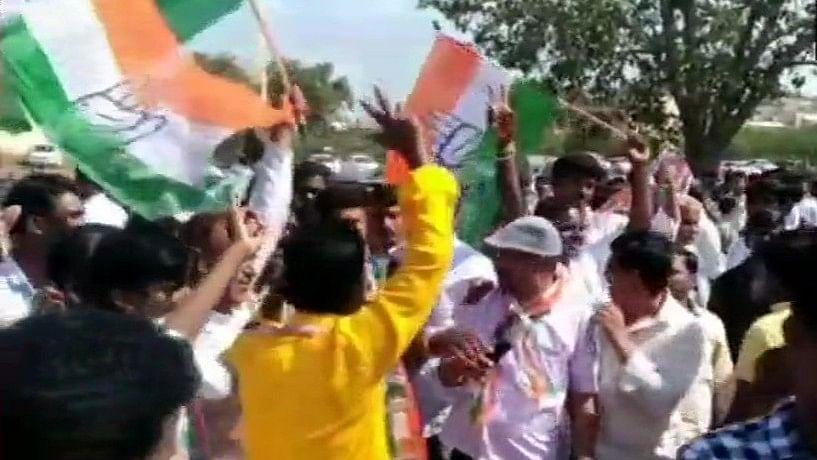 वीडियो: कर्नाटक उपचुनाव में कांग्रेस-जेडीएस को मिला 'दिवाली का तोहफा', 4-1 से बीजेपी को दी शिकस्त