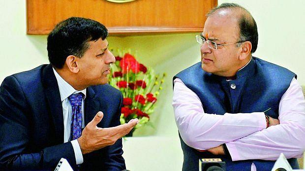 अरुण जेटली का रघुराम राजन पर पलटवार, कहा-जीएसटी ऐतिहासिक सुधार, सिर्फ निंदकों को नहीं दिखता विकास