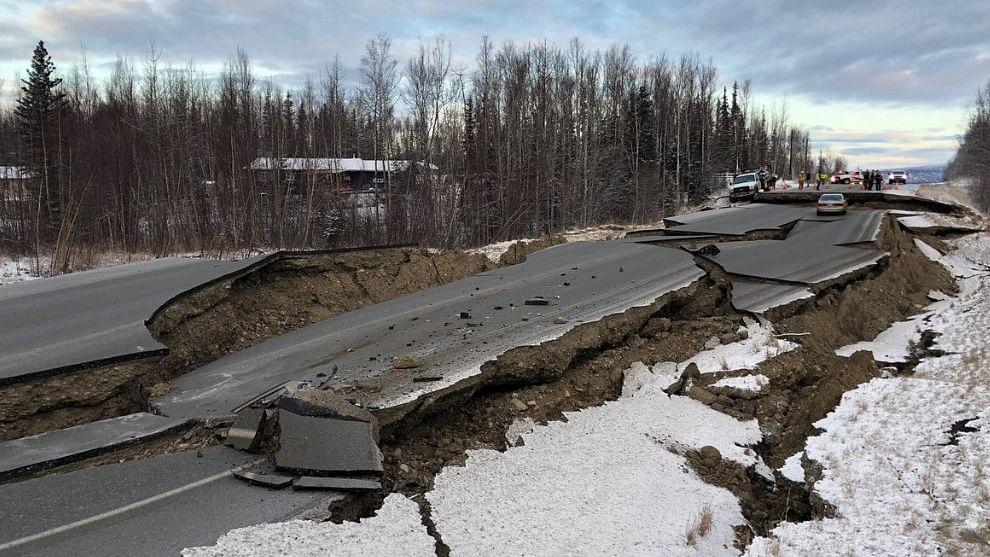 वीडियो: अमेरिका के अलास्का में विनाशकारी भूकंप, तबाही का ऐसा मंजर देख, हर कोई सहम उठा
