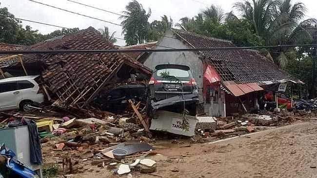 इंडोनेशिया में सुनामी से आई भारी तबाही, अब तक 281 लोगों की मौत, 1000 से अधिक घायल