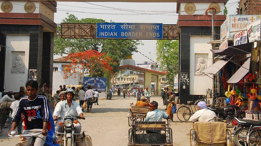 अब नहीं चलते मोदी के नोट नेपाल में, पाबंदी से पर्यटकों के साथ कारोबारी भी  हलकान