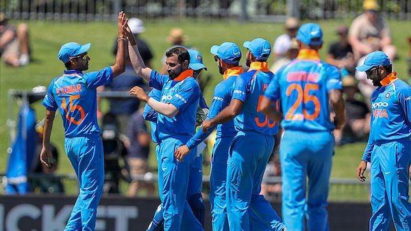 नेपियर वनडे: मोहम्मद शमी का सबसे तेज विकेटों का 'शतक', इरफान पठान का रिकॉर्ड तोड़कर बने बादशाह