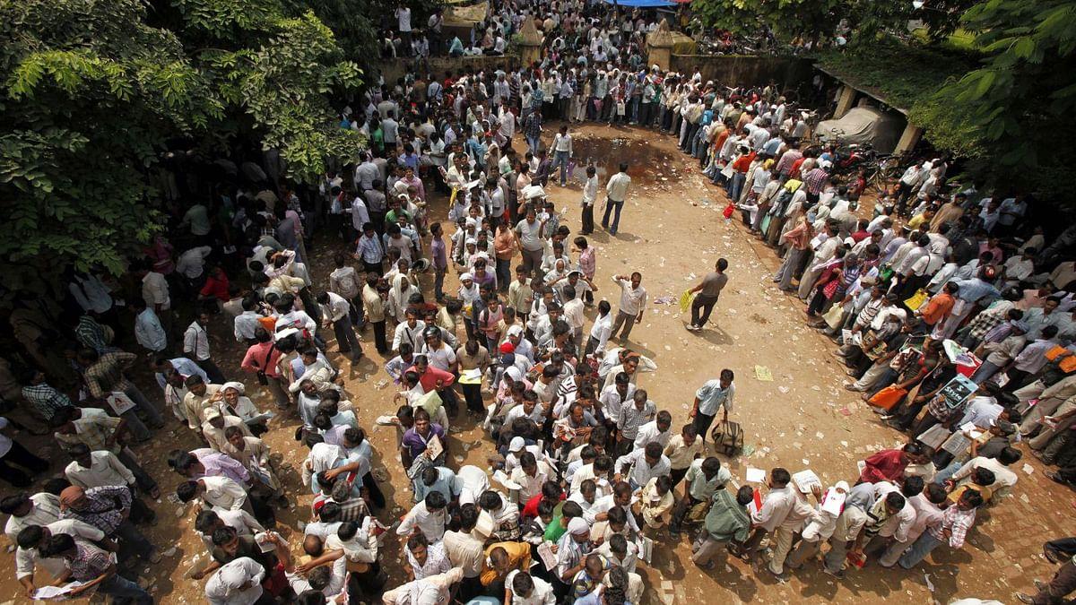 मोदी सरकार में  हर साल घट रहा है रोजगार, सवर्णों को 10 फीसदी आरक्षण के बाद नौकरियां कहां से लाएगी  सरकार